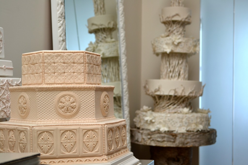 Bonjour Hola Tie The Knot With Ron BenIsrael Cakes - Ben Israel Wedding Cakes